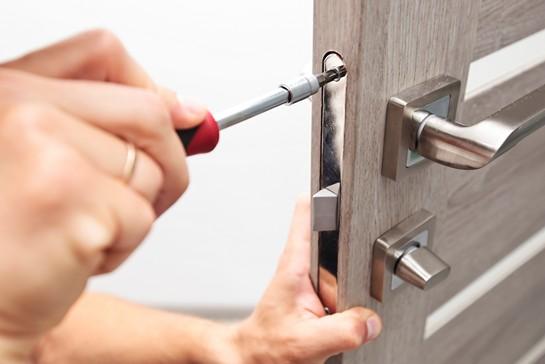 Låsesmed pris i København - Hvad koster forskellige låsesmed ydelse