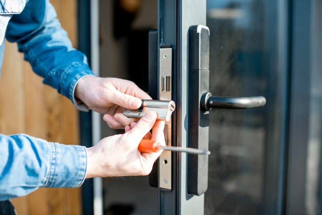 LÅSESMED VALBY - Lokalt billig låsesmed med døgnvagt!