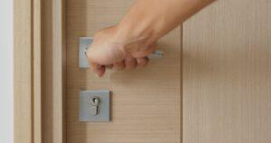 Lås kan ikke åbne på grund af nogle forskellige anledninger, her er låsesmedens bus på hvad du ska gøre når din lås ikke kan åbnes