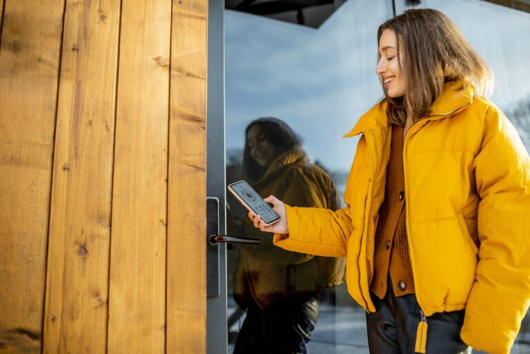 Yale doorman, et nyt populært produkt læs om udskiftning af hoveddørslås til Yale doorman her, Montere selv eller ring låsesmed